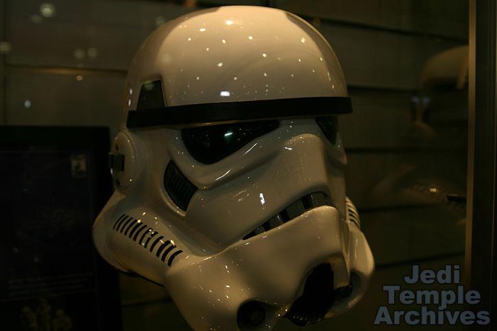 casque EFX / MASTER REPLICAS de stormtooper 02helmets-017