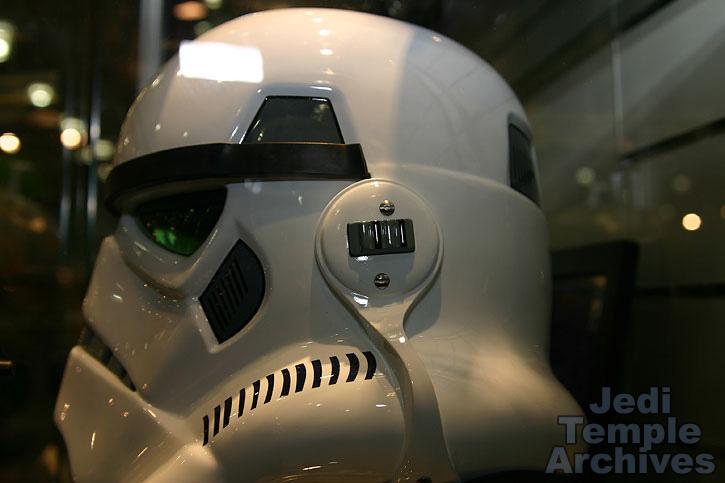 casque EFX / MASTER REPLICAS de stormtooper 02helmets-018